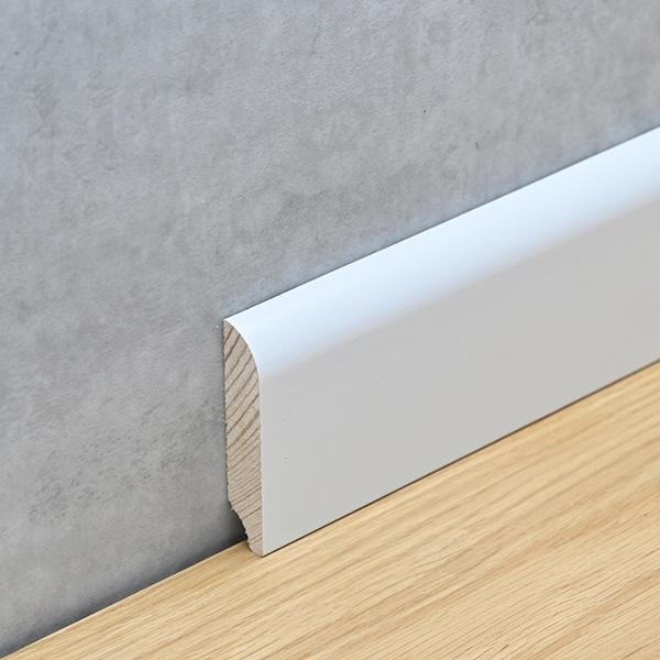 Sockelleiste 13 x 58 mm weiß lackiert