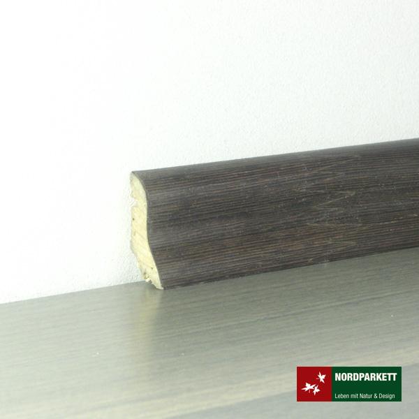 Sockelleiste 20 x 40 mm Wenge lackiert