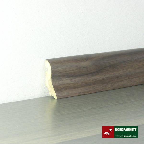 Sockelleiste 20 x 40 mm Nußbaum lackiert