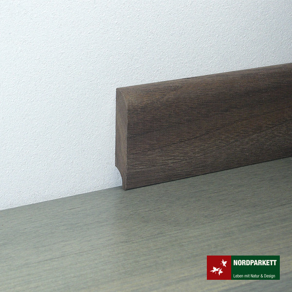 Sockelleiste 13 x 58 mm Nußbaum lackiert